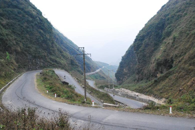see how crazyyy the roads were!!! lots of hairpins!