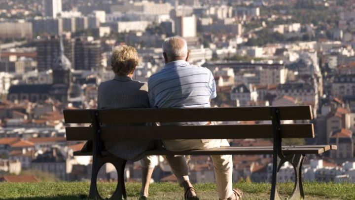 retirement_urban_bench